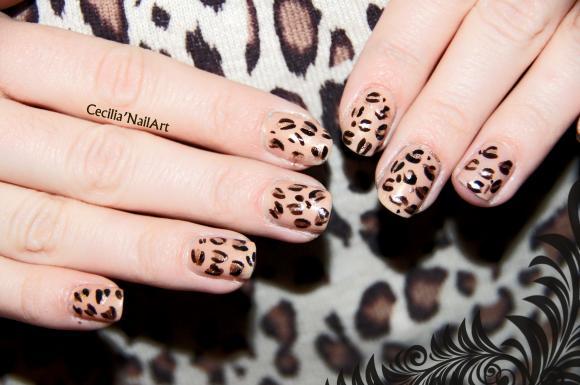 http://dark.nail.art.cowblog.fr/images/NailArt2.jpg